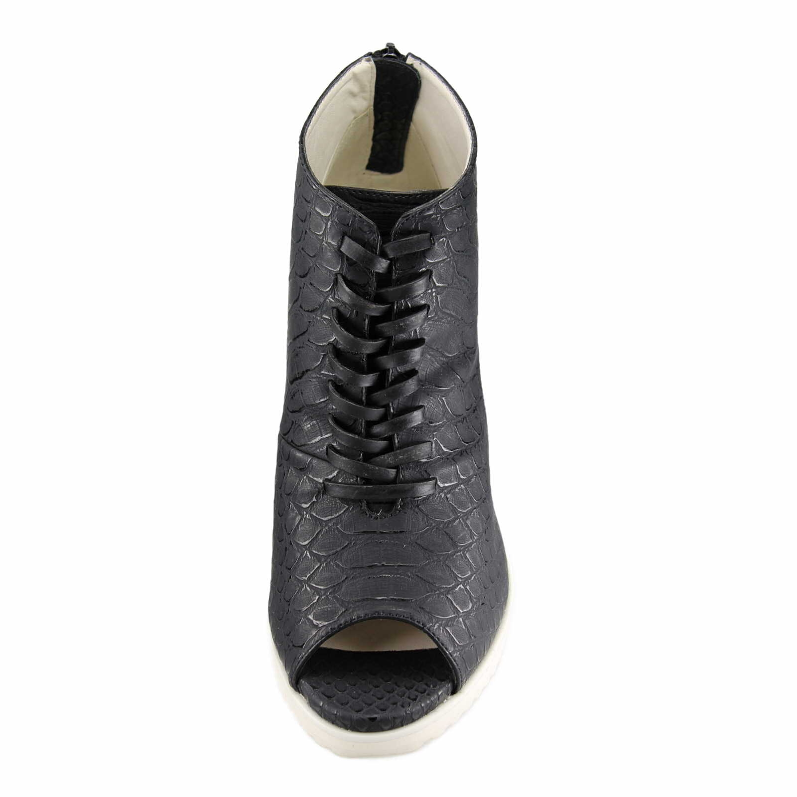 gerry weber shoes schwarz adriana 02 g26802 832 100. Black Bedroom Furniture Sets. Home Design Ideas