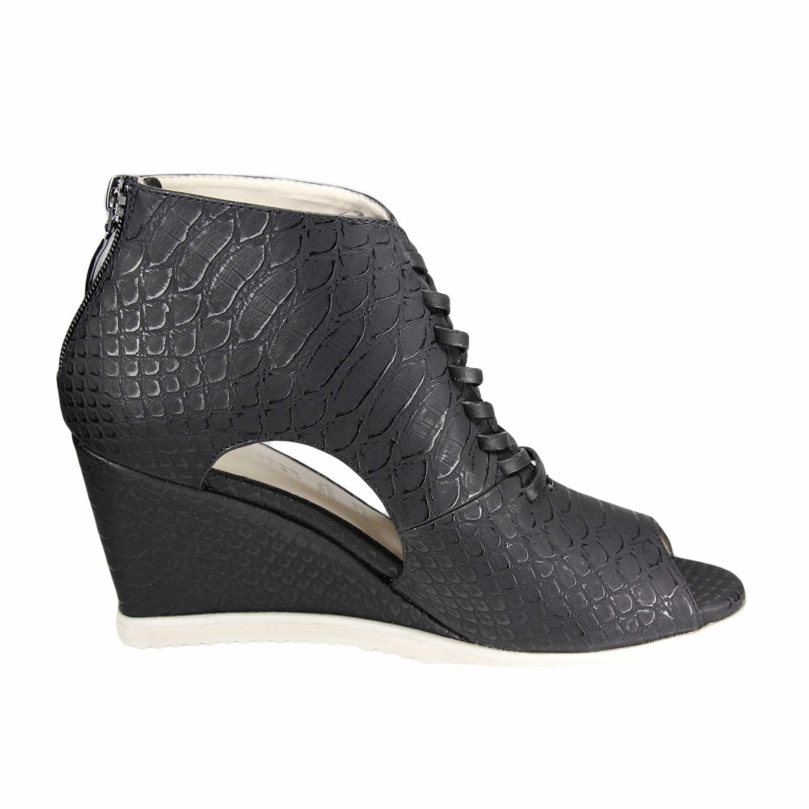 gerry weber shoes schwarz adriana 02 g26802 832 100 schuhparadies online shop schuhe. Black Bedroom Furniture Sets. Home Design Ideas